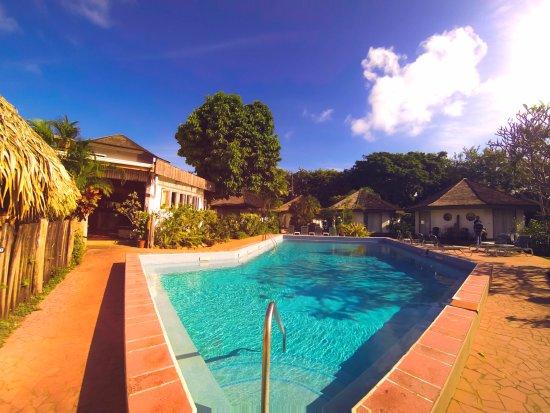 Kariwak Village Restaurant: Main Pool