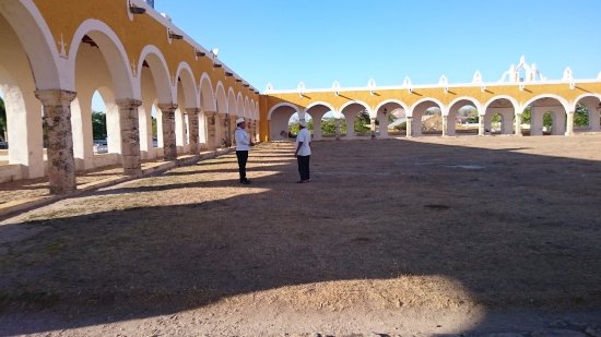 MexiGo Tours : The monastery in Izamal. 2nd largest atrium in the world!