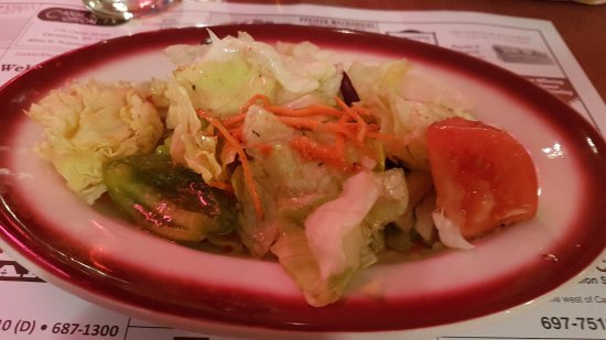 Canastota, Nova York: fresh crisp salad, nice house dressing