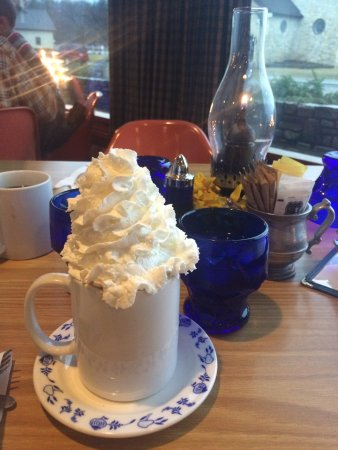 Al Johnson's Swedish Restaurant & Butik: Swedish pancakes!  Swedish meatballs!  The hot cocoa with gobs of whipped cream!  Loved it all!