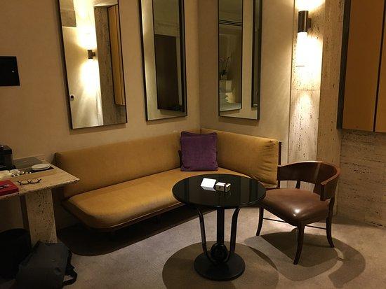 Park Hyatt Milan: Sitting area