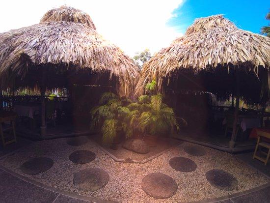 Kariwak Village Restaurant: The Huts