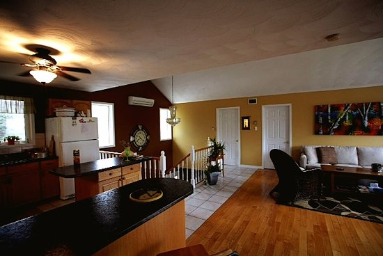 2nd Floor Living Room Dining Room Kitchen Queen Sweet And
