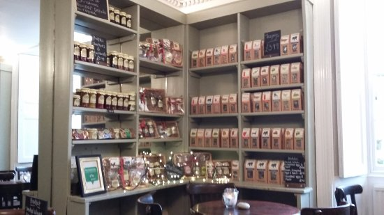 Deddington, UK: Lots of comestibles to take away!