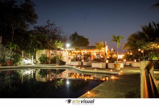 Aura del Mar Hotel: The night of our wedding!
