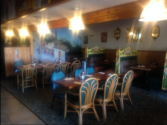 Tequesta, FL: tables and booths