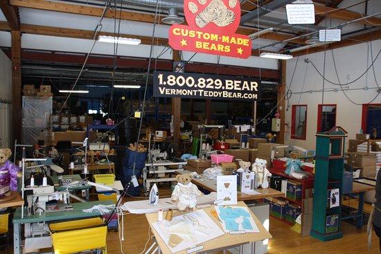 เชลเบิร์น, เวอร์มอนต์: Custom order bear station