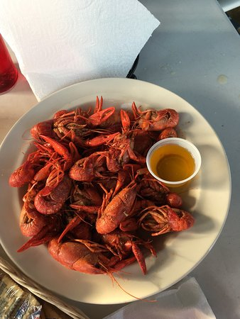 Long Beach, MS: 50 cent oysters and 3.65 a pound crawfish! Good view. Lovely waitress. Service is just a little