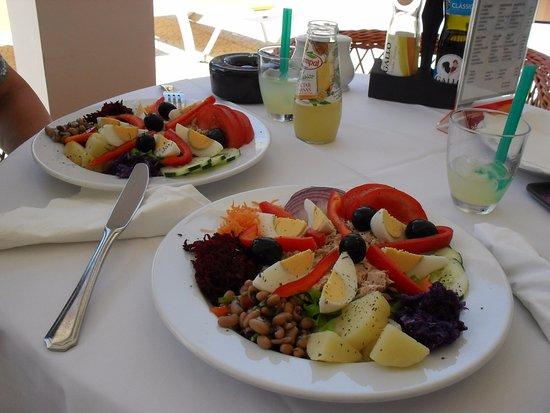 Hotel Albergaria Dias: De heerlijke tonijnsalade.