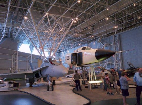 Musée de l'aviation et de l'espace du Canada: CF-188 (Hornet) beside the CF-105 (Avro Arrow)