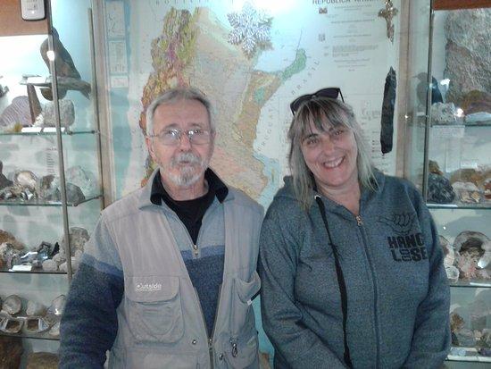 Museo del Lago Gutierrez : Con Rodolfo Corsolini, el dueño del muso que me ilustró sobre muchas piezas de su coleccion.