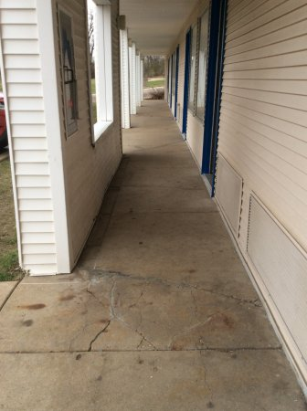 Peoria, IL: Big crack in sidewalk in front of door to my room