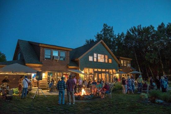 Millinocket, Μέιν: Summer and live music at River Driver's restaurant