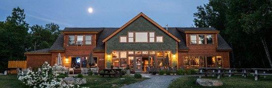 Millinocket, Μέιν: Summer evening River Driver's Restaurant