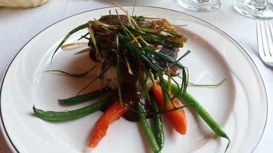 The Brentwood Restaurant & Wine Bistro: filet au poivre