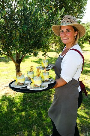 Cowaramup, Avustralya: We invite you to wander through the olive groves and enjoy a long lunch in the Café.