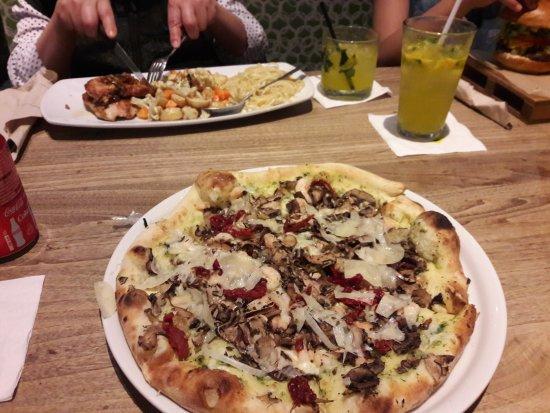 California Pizza Kitchen Ciudad De M 233 Xico Paseo De La