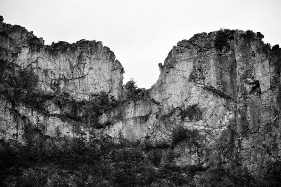 Seneca Rocks, WV: Senaca Rocks in black & white