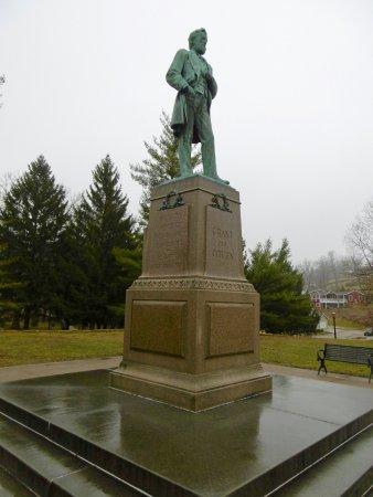Galena, IL: The statue of Ulysses S. Grant.
