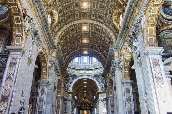 Skip-the-Line Small-Group Tour: Vatican, Sistine Chapel, and St...
