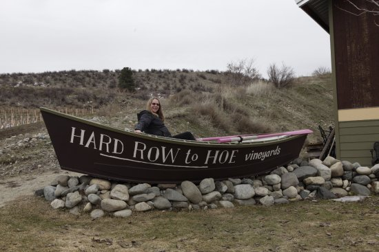 Hard Row to Hoe Vineyards: Customary photo in the boat