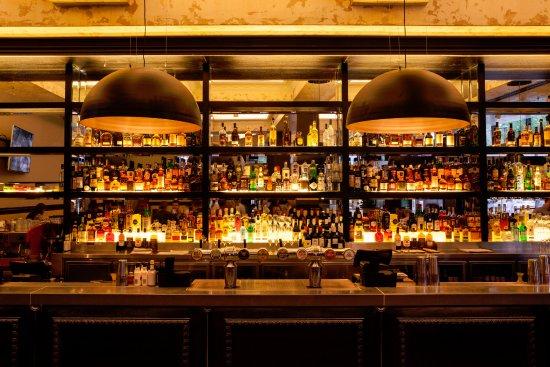 Greater Sydney, Australien: Potts Point Hotel - Main Public Bar