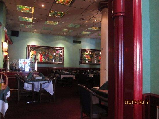 Tang's Restaurant: Dinning area