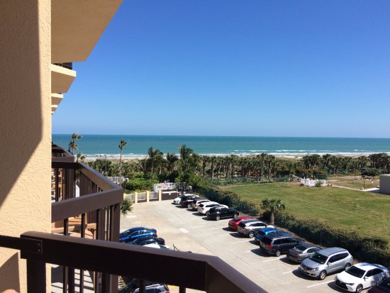 DoubleTree by Hilton Hotel Cocoa Beach Oceanfront: Ocean View Balcony, 4th Floor