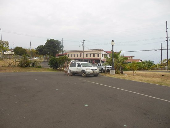 Captain Cook, HI: The Manago Hotel across the highway. Go slow in the area since the radars work!