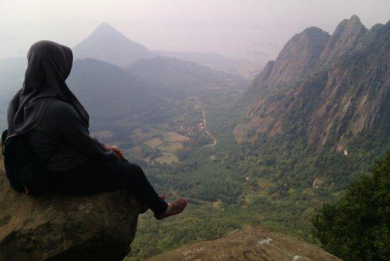Download Puncak Gunung Bongkok Purwakarta PNG