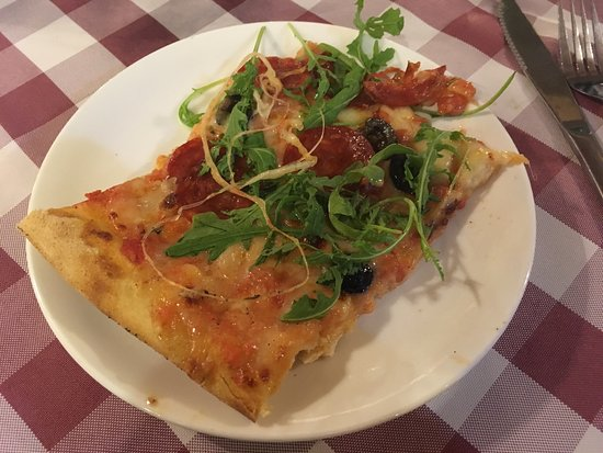 Pizza Casa Mia: Sehr leckeres italienisches Essen mit live Musik und sehr freundlicher Bedienung. Ich habe mich