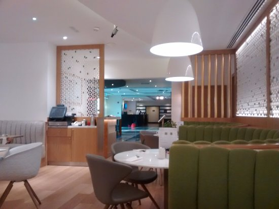 Premier Inn Dubai Investments Park Hotel: View of Dining area