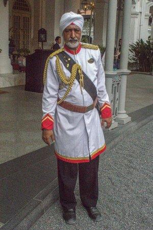 Raffles Hotel Singapore: Doorman