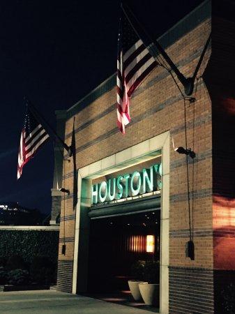 Hackensack, NJ: Houston's Bergen County