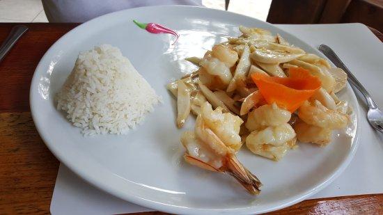 Restaurant Anses Des Cascades Sauté Crevettes Au Palmistes