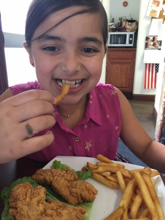 Orland, CA: Kids eat free on Mondays after 4:00 pm