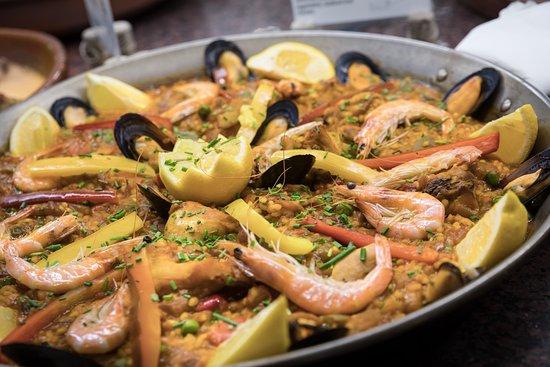 Tablao Cordobes : Uno de nuestros platos obligatorios, la paella