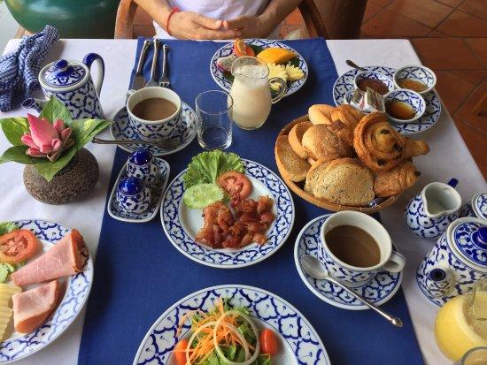 Angkor Village Hotel: Frühstück herzhaft, westlich