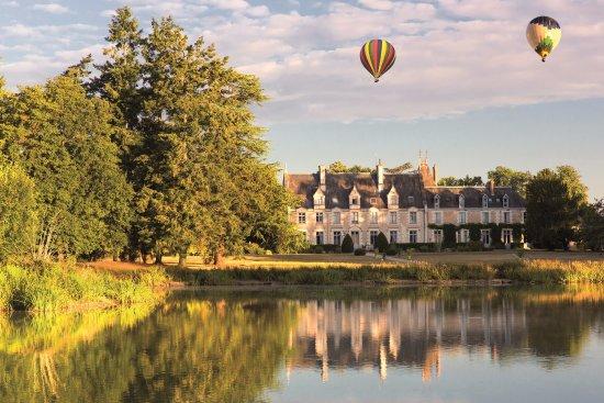 Odesia Vacances Village Club le Domaine de Seillac: Le Château de Seillac et son parc de 10 ha