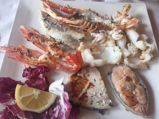 Cassano Magnago, Italy: Grigliata di pesce