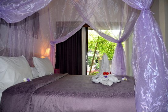 Bali Hotel Pearl superior room