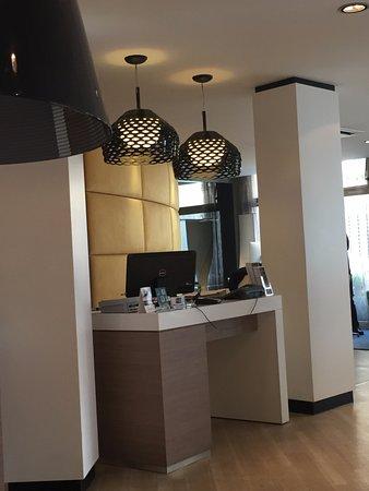 Mercure Nice Centre Grimaldi : reception