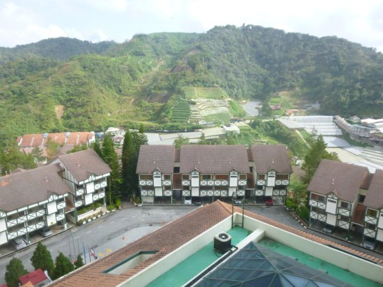 Equatorial Hotel Cameron Highlands Room