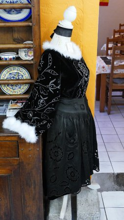 Ploneour Lanvern, Fransa: Costume traditionnel