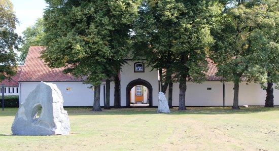 Kastrupgårdsamlingen - Kunstmuseum i historiske omgivelser