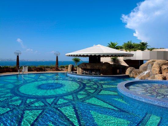 Дбаех, Ливан: Le Jardin Du Royal Outdoor Pool