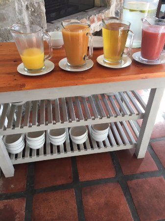 Whale Rock Luxury Lodge- Morning juice/no drinking glasses