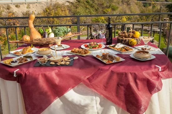 Baños de Montemayor, España: mesa montada