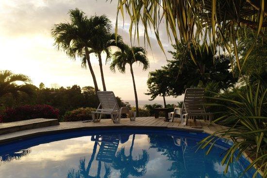 La Koumbala: La piscine avec vue sur mer