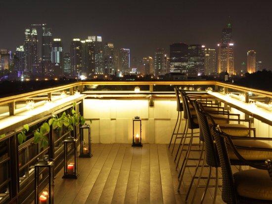 La Vue Rooftop Bar - The Hermitage
